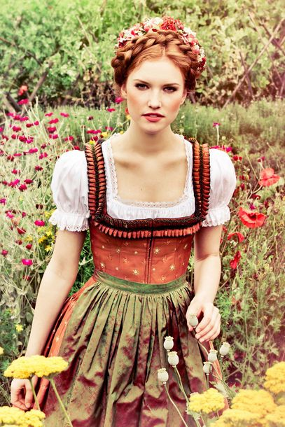 33 best images about wiesn frisuren on pinterest oktoberfest hair dirndl and waterfall braids. Black Bedroom Furniture Sets. Home Design Ideas