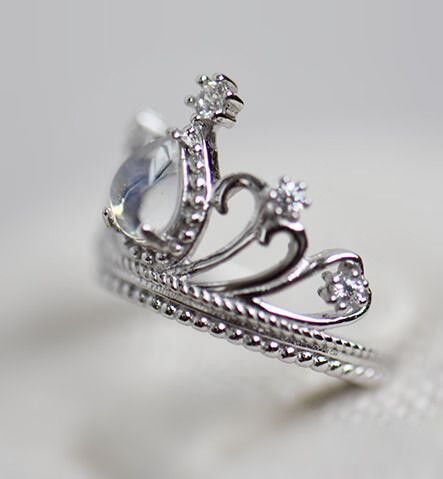 exquisite moonstone crown promise ring in sterling silver