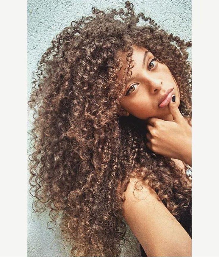 "@criis_silvaah_ using the hair cream Lola ""Miracle"" . #curlynatural"