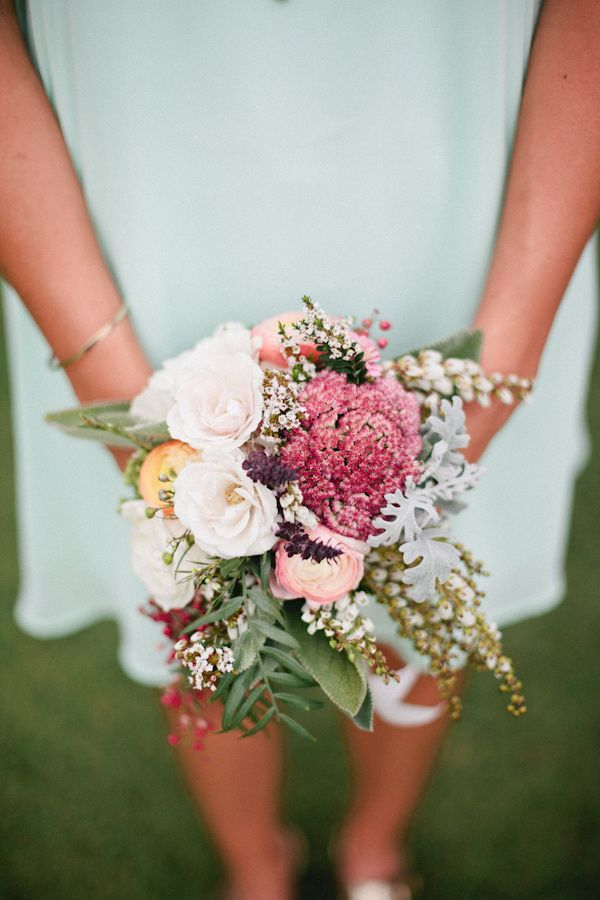 mixed bouquet // photo by Mallory Morgan Photography // http://ruffledblog.com/west-texas-cornfield-wedding