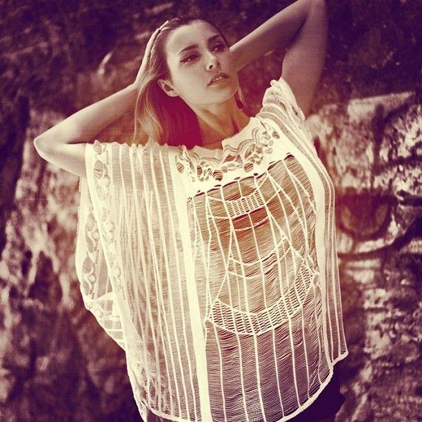 @ModaFabrik: Modası geçmeyen tasarım = Plaj elbiseleri Bikini'lerinizi rahat ve şık şekilde kombinleyebilirsiniz✨#modafabrik #giyim #plajelbiseleri #örmebluz #plajda #şehirde #bikiniüzerine #atletüzerine #cesme #alacati #bodrum #yalikavak #aquente #beforesunset