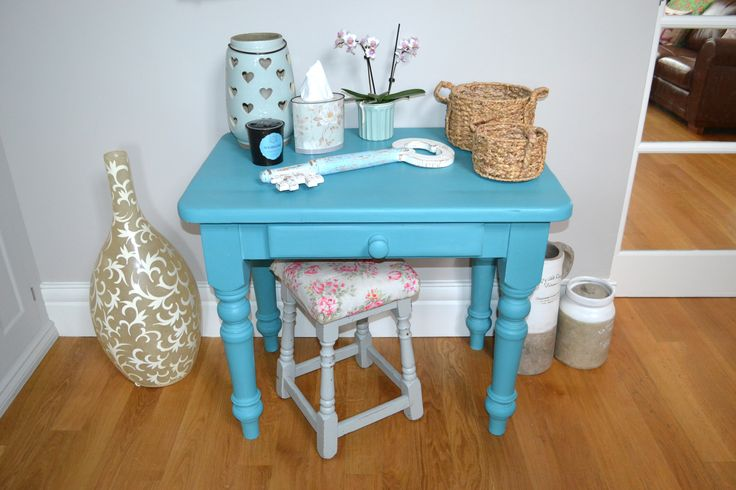 This hall table went from plain to pretty - Reloved by Jo