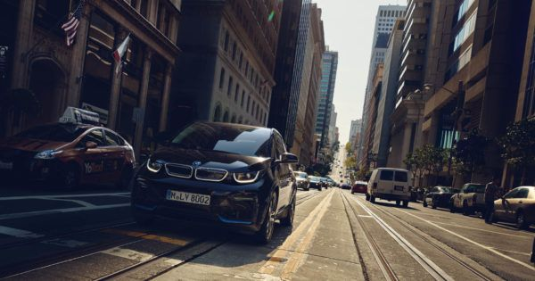 Meine BMW i3 Erfahrungen mit Daten und Fakten zum Stromer von BMW. In meinem Erfahrungsbericht gehe ich auf den neusten BMW i3 und i3s ein. #BMW #i3 #i3s #Elektroauto #Stromer