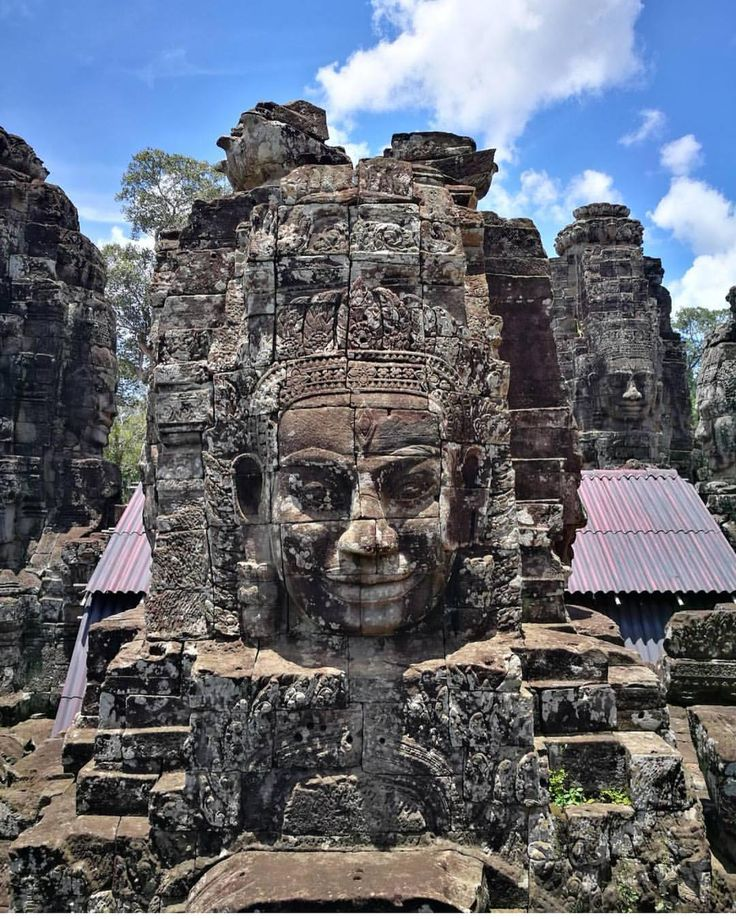 #DiscoverywithHoboh 📍#hobohincambodia 📷 live reporter @toriatte . do you want to be our next live reporter about your city or during your trip? contact us! . He is Pasquale and he is our hoboh traveler in #Cambodia : so follow #hobohincambodia  and #hobohwithtoriatte to know more about this beautiful trip!