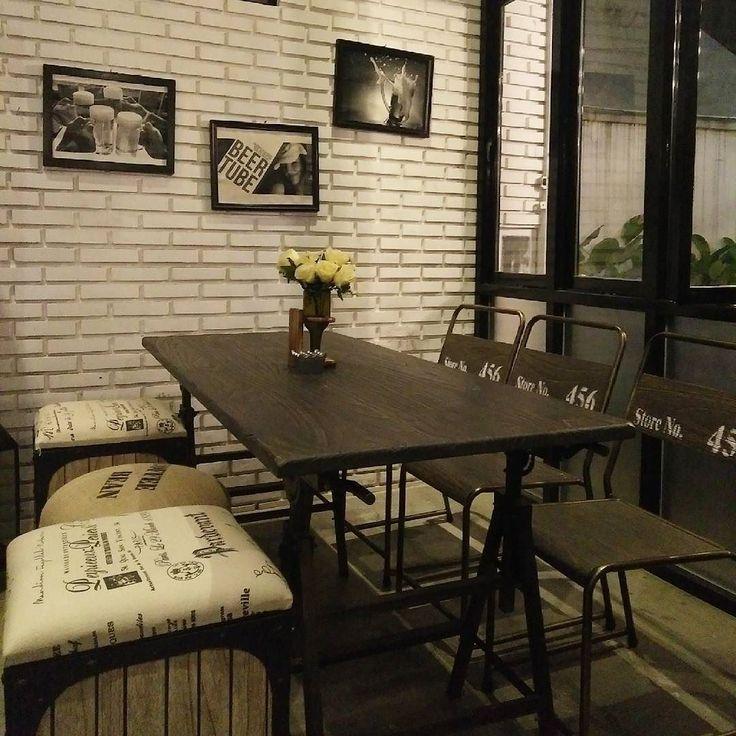 Masih bingung mau makan malam dimana ?  Yuk rencanakan Makan malam mu di @motzen_bdg  tersedia berbagai macam pilihan menu ditambah dengan konsep restoran yang unik yang bikin kamu nyaman berlama-lama  di restaurant ini  #motzen#motzenbgd#restaurant#hangout#party#cozycafe#cozy#bandung#cafe#deliciuos