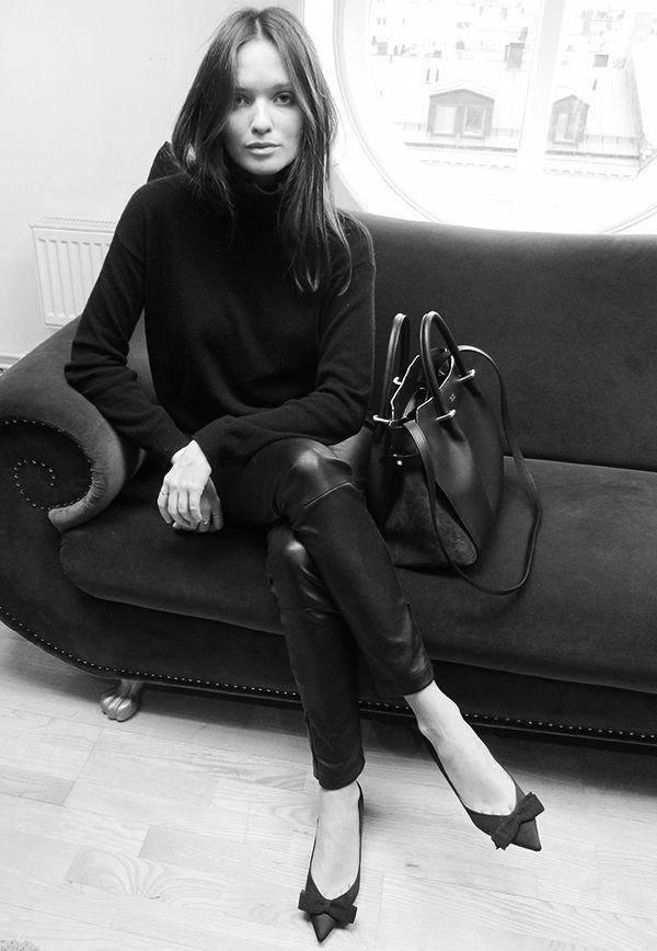 Turtle neck, jodhpurs trousers, heels, Chanel, leather coat