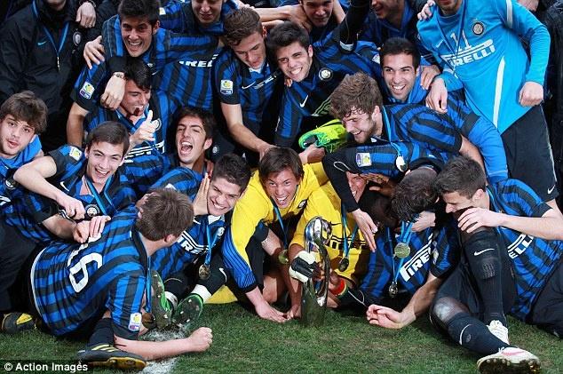Sawiro: Inter Milan Oo Loo Caleemo Saaray NextGen Series Champions.