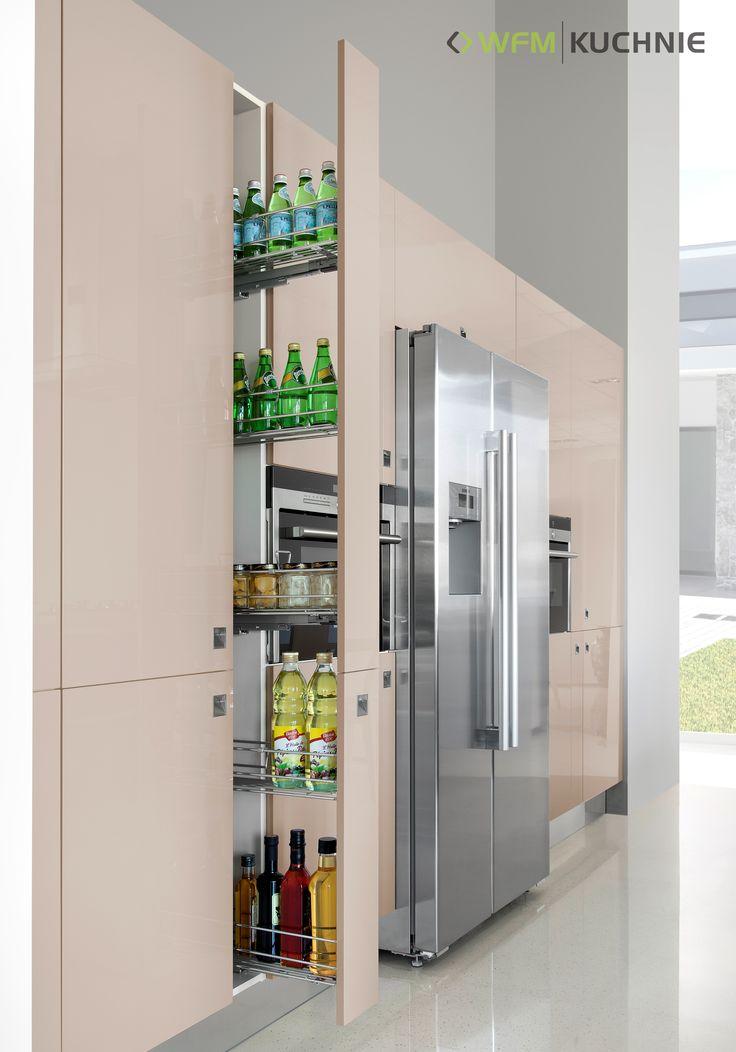 RIFFLESSO CAPPUCCINO, SPEZZARE AUTUM RUSTIC: Wysokie cargo szerokości 15 cm doskonale wykorzystując przestrzeń w kuchni stanowią idealny magazyn na butelki nie tylko z winem.