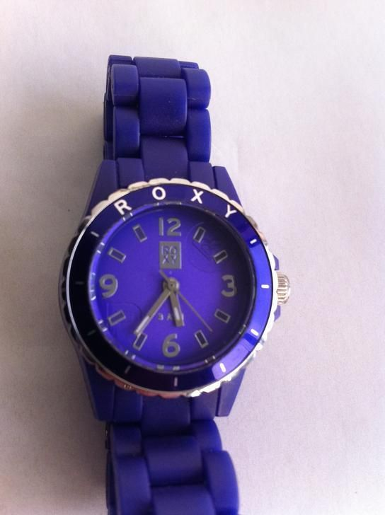 """Relógio """"Roxy"""" em acrílico. Ø 3cm"""