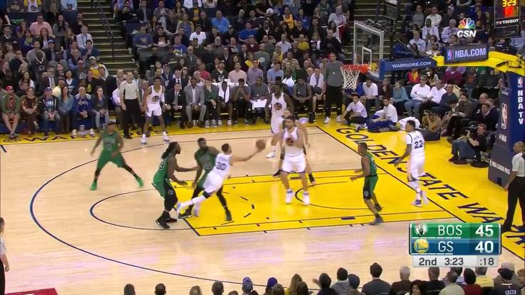 Watch: Olynyk accidentally tips in Curry's prayer | MARCH 8 .2017