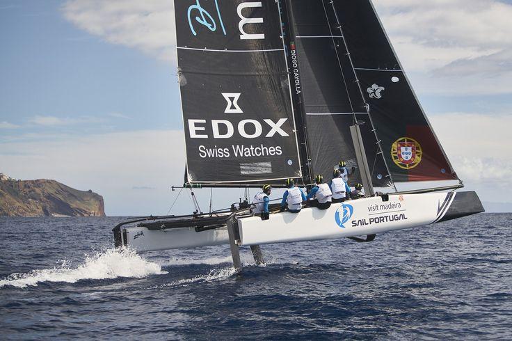 As melhores equipas do mundo, incluindo a seleção portuguesa, reúnem-se no rio Tejo para regatas de curta duração a bordo do catamarã GC32. Desta quinta-feira, 6, até domingo, 9, os velejadores só precisam de bons ventos
