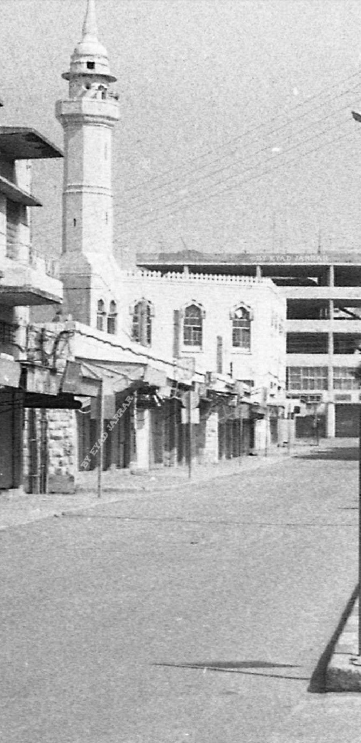 مسجد جنين الجديد عام 1982 Jenin Old In 2021 Beautiful Places Outdoor Places