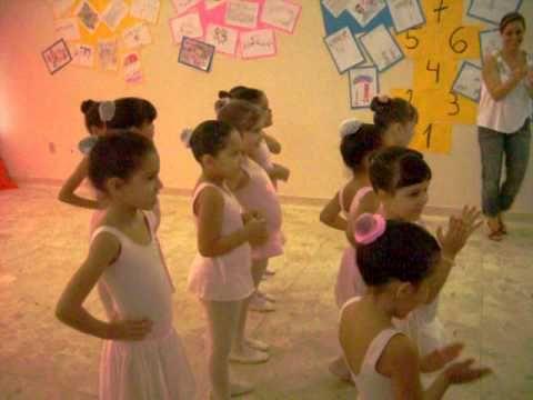 ISABELA dançando ballet