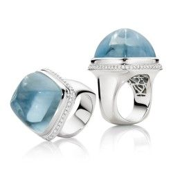 A truly astonishing 46.70ct Aquamarine Cocktail Ring with White Diamonds set in 18ct White Gold