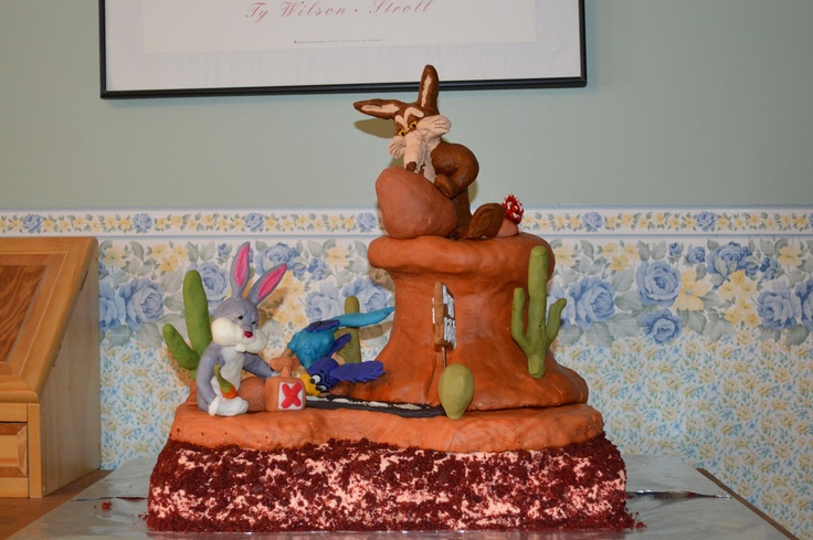 Looney Tunes Cake Bugs Bunny Road Runner Wile E Coyote