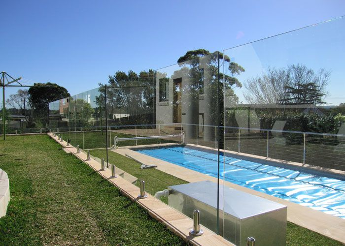 Best 20 aluminium fencing ideas on pinterest modern for Pool design newcastle