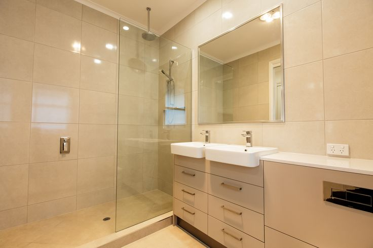 Soft and relaxing bathroom. Love me a big shower ;) #InteriorDesign #Synergy_BD