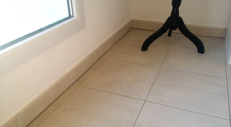 17 meilleures id es propos de plinthe carrelage sur pinterest plancher et les plinthes. Black Bedroom Furniture Sets. Home Design Ideas