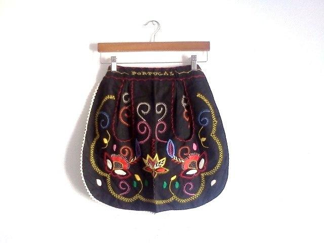 Vintage Apron Folk Portugal with Pockets. $26.50, via Etsy.