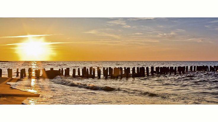 Home affaire, Glasbild, »S. Decoret: Schöner Sonnenuntergang am Strand«, 125/50 cm Jetzt bestellen unter: https://moebel.ladendirekt.de/dekoration/bilder-und-rahmen/bilder/?uid=dd4cdf29-4ffd-579e-85f8-053090aa964f&utm_source=pinterest&utm_medium=pin&utm_campaign=boards #bilder #rahmen #dekoration