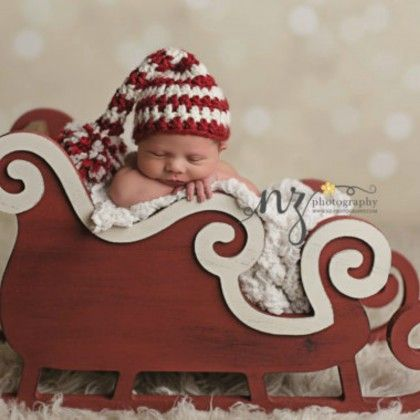 12 Winter Holiday Themed Newborn Photography Props | BabyZone