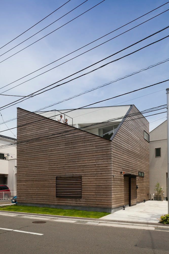 House in Ofuna by Level Architects