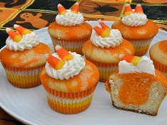 Will this fulfill our obsession with candy corn?Food Colors, Halloween Recipe, Corn Cupcakes, Candy Corn, Candies Corn, Food Coloring, Eggs Cups, Cupcakes Rosa-Choqu, Cream Cheeses