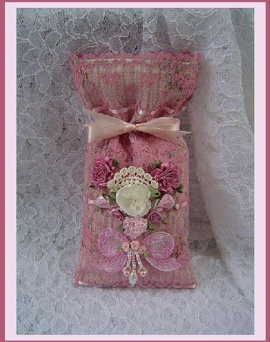 Rose Potpourri Lace & Pearls Sachet- by Traders of the Lost Art 1