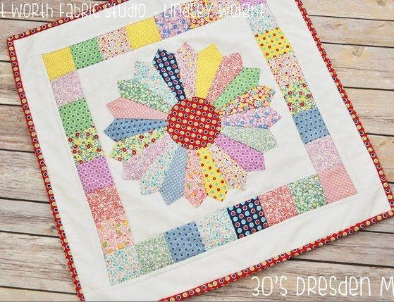 1930s Dresden Plate Mini Quilt | This mini quilt packs a lot of vintage punch!