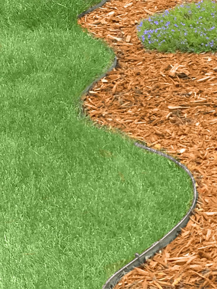 Yes You Can Create Beautifully Curved Landscape Borders 640 x 480