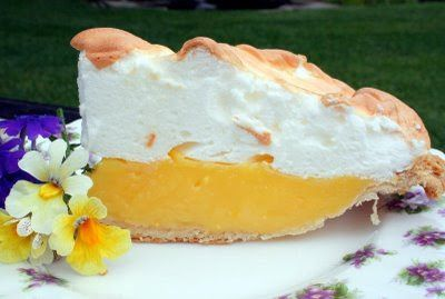 Mennonite Girls Can Cook: weep not for me ..lemon meringue pie