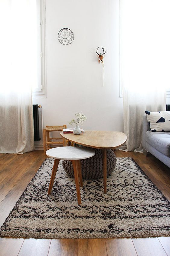 table basse marbre tapis ethnique