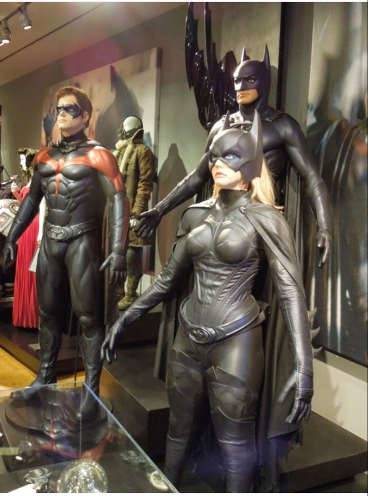 The costumes from the 1997 film, Batman & Robin. in 2020 ...
