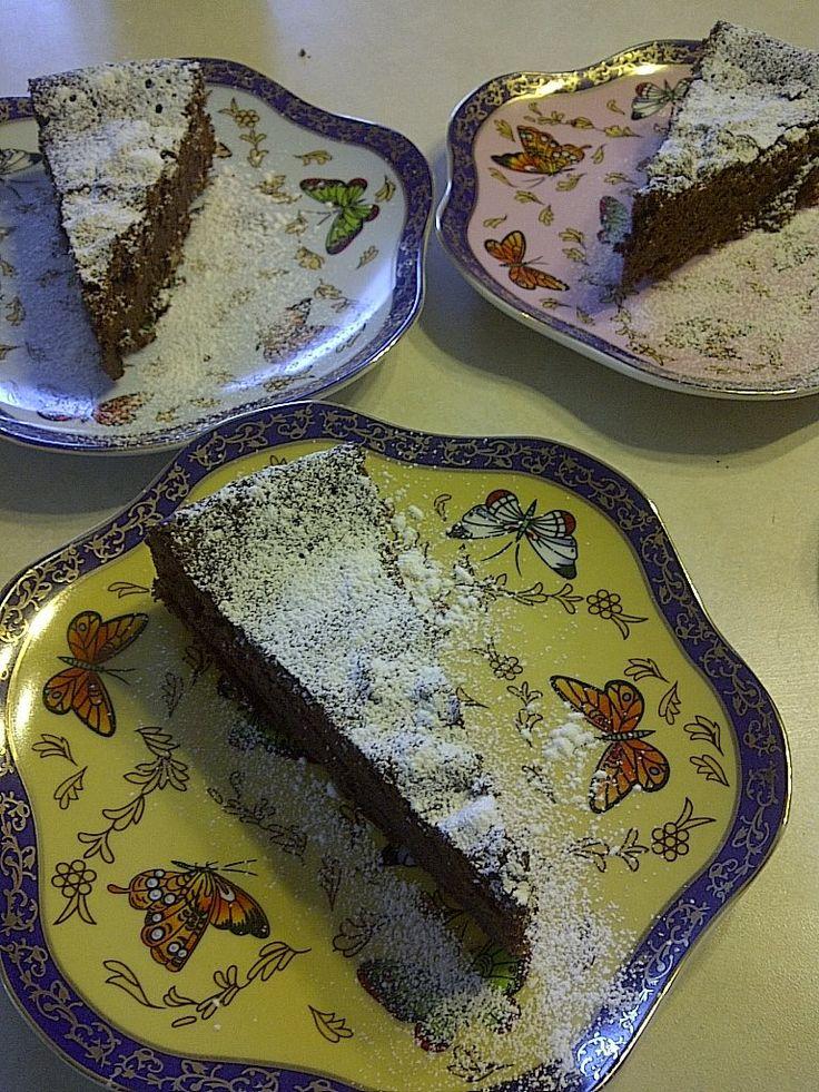 Gluten free Quinoa cake, vegan version added.