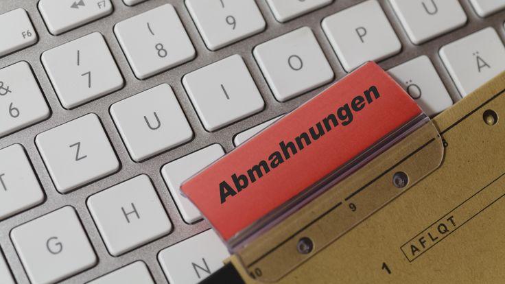 Zurück zum Artikel: Die häufigsten Abmahnungen (Teil 2): Abmahngründe beim Warenverkauf im Internet #Zabanski  #Stockphotos #Fotolia #Abmahnung #Rechtslage #Arbeitsvertrag #Kündigung ©zabanski - http://de.fotolia.com/p/203022447
