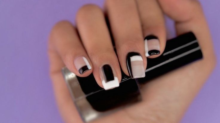 Super Easy Geometrical Negative Space Nails You Can Wear on Your Date