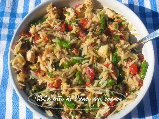 Salade d'orzo au poulet et aux asperges