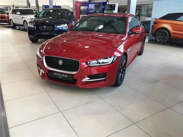 Splendida #Jaguar #XE #RSport in pronta consegna presso i nostri showrooom. Prenota il tuo #TestDrive.