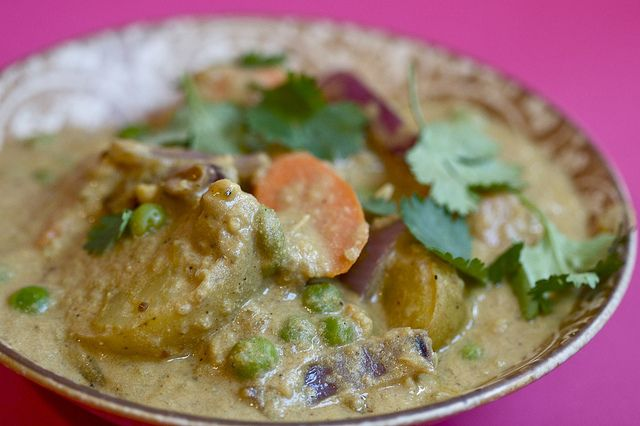 Cashew Vegetable Korma | Post Punk Kitchen   This was sooo delicious!  Definitely will make again :)