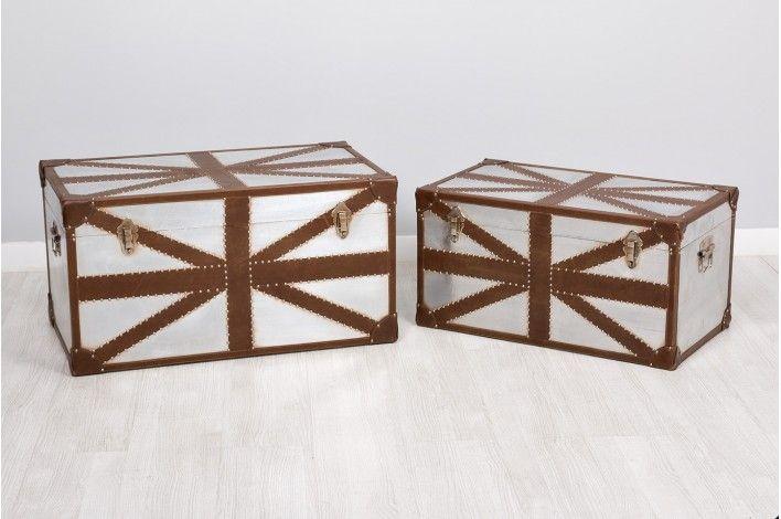 Guardar, ordenar... y sobre todo decorar. Set de 2 #baúles en polipiel y aluminio. Medidas: 71x42x37 y 81x47x43 cm. | #IdeasParaDecorar #Merkamueble