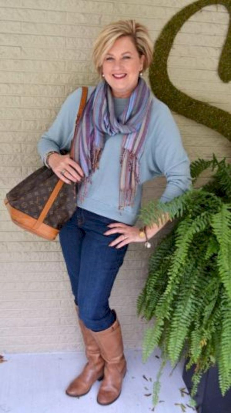 fine 42 Casual Outfits for Women Over 40 http://attirepin.com/2017/12/23/42-casual-outfits-women-40/
