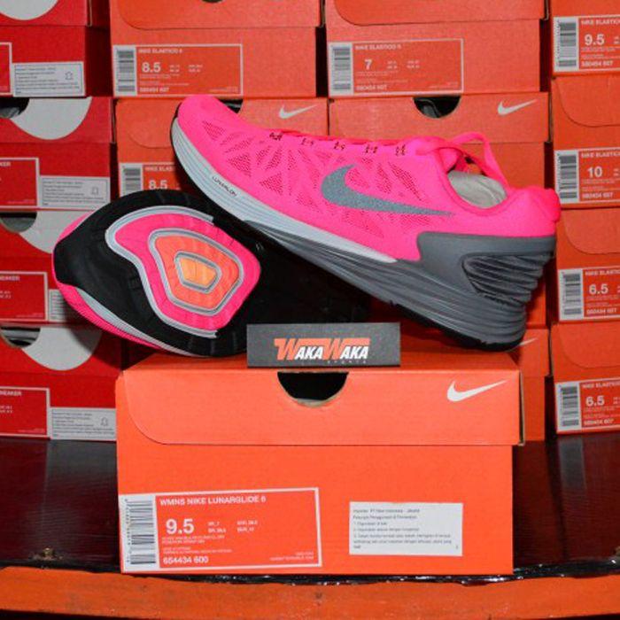Sepatu Running Nike Wanita Lunarglide 6 654434-600 IDR 1.529.000 hanya di wakawakasports.com dan dapatkan FREE Ongkir ke Seluruh INDONESIA