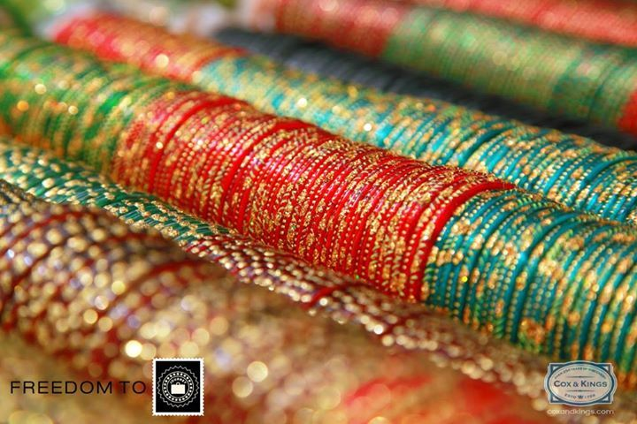 #FreedomOfCulture Go crazy about bangles and pearls at Charminar in Hyderabad! Pick up a set of bangles in every colour to match all your outfits because these gorgeous accessories go very well with Indian as well as western wear.