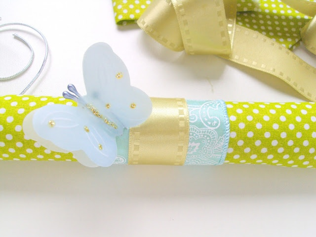 Wrapping with fabric by Le Paquet