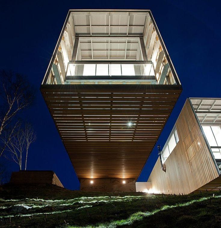 Two Hull House by MacKay-Lyons Sweetapple Architects / Canada