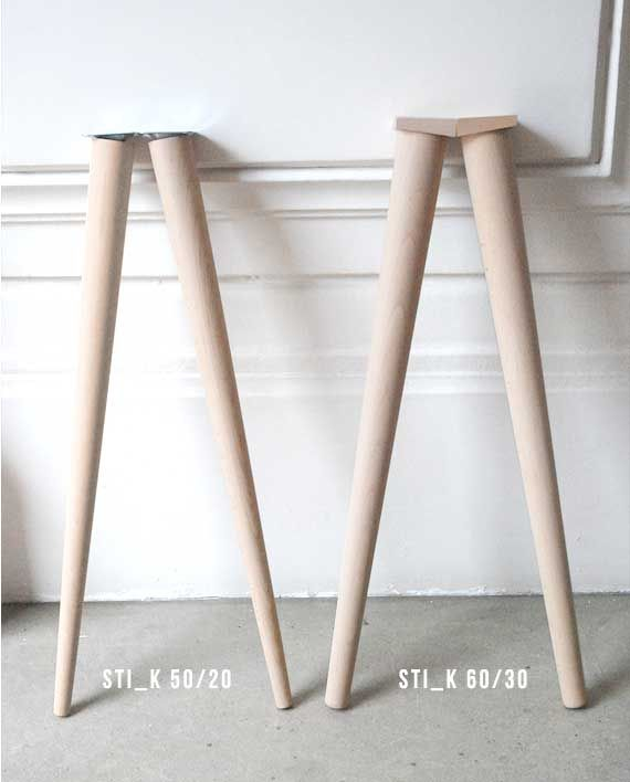 Avec les pieds compas STI_K le design de votre table basse ou haute sera de style nordique ou danois en combinant le bois massif et la teinte blanche                                                                                                                                                                                 Plus