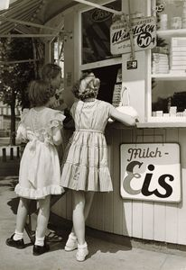 Germany. Girls buying ice cream, Frankfurt, 1930s // Paul Wolff (German, 1887 - 1951), Dr. Wolff & Tritschler OHG (German, 1927 - 1963)