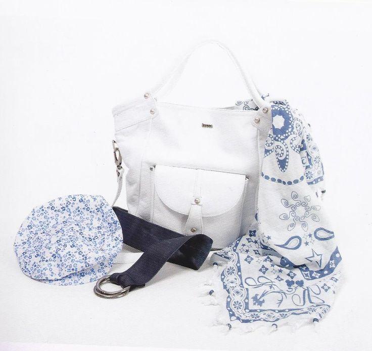 cv de styliste modeliste de sacs et accessoires freelance