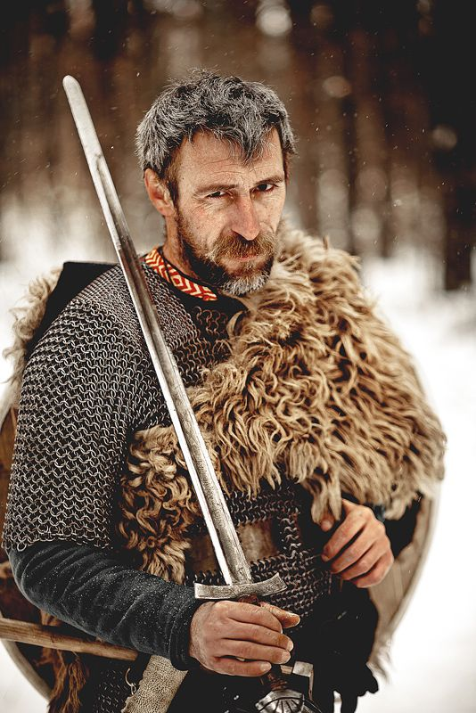 78bfec22307f79f26cb2c96129e63f8b--viking-armor-viking-men