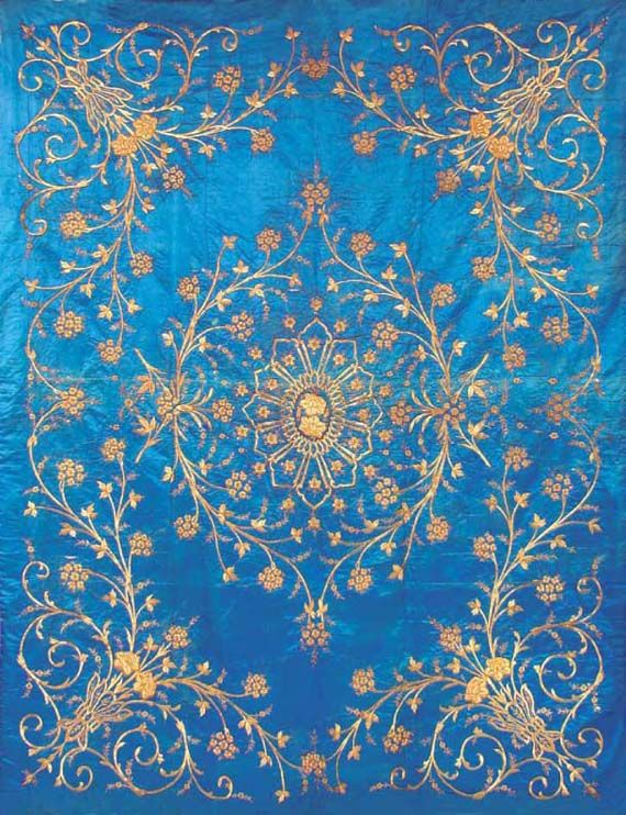 Hang Fabric. Metal Thread Embroidered Ottoman Satin Duvet, Turkey, mid 19th century. Image courtesy of Ayyam Gallery.